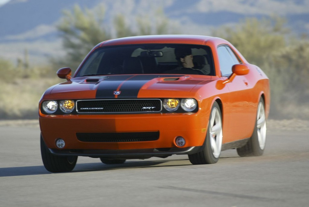 Foto de Dodge Challenger SRT8 (18/103)