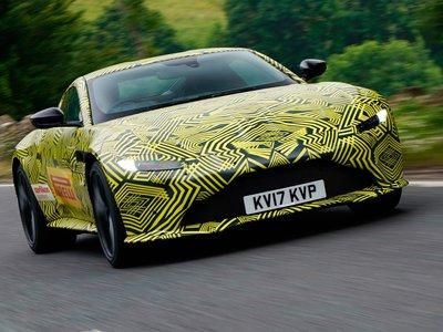 Teaser: Nuevo Aston Martin Vantage haciendo un drift en cámara lenta