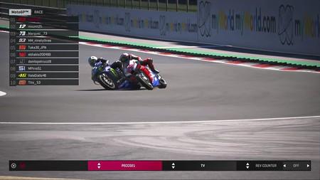 Pecco Bagnaia ganó la segunda carrera virtual de MotoGP mientras que lo de Valentino Rossi son las motos reales