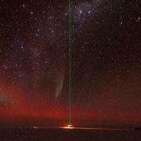 Bombardeando láser a la atmósfera: así es la vistosa (y extrema) investigación que hace la ESA desde la Antártida
