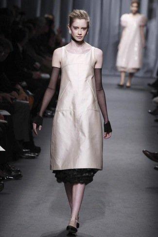 Chanel Alta Costura Primavera-Verano 2011 forma
