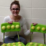 """Una profesora crea """"sillas sensoriales"""" para sus alumnos con necesidades especiales"""