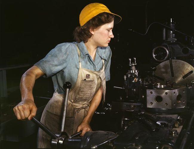 778px-WomanFactory1940s.jpg