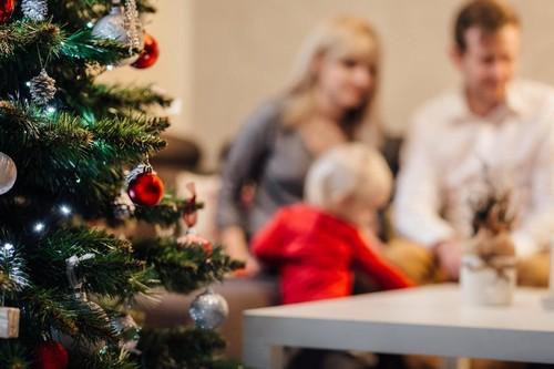 Crea recuerdos de Navidad: 23 ideas de fotografías familiares navideñas