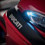 La Ducati Multistrada V4 renuncia al sistema Desmo: la trail italiana tendrá 170 CV y desactivación de cilindros
