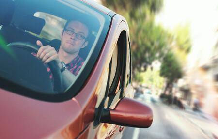Llevar un detector de radar en el coche supondrá multa de la DGT aunque no lo estés usando