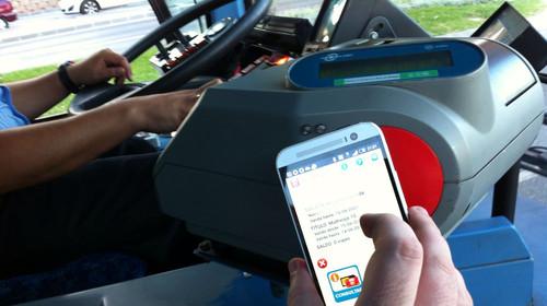 Viajando con mi bonobus en el móvil, probamos Vodafone Wallet en la EMT de Málaga