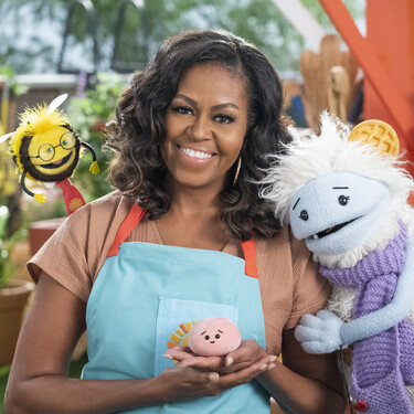 Netflix lanzará un programa de cocina para toda la familia con Michelle Obama: así será Gofre + Mochi
