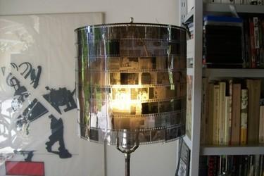 Recicladecoración: la pantalla de una lámpara con negativos
