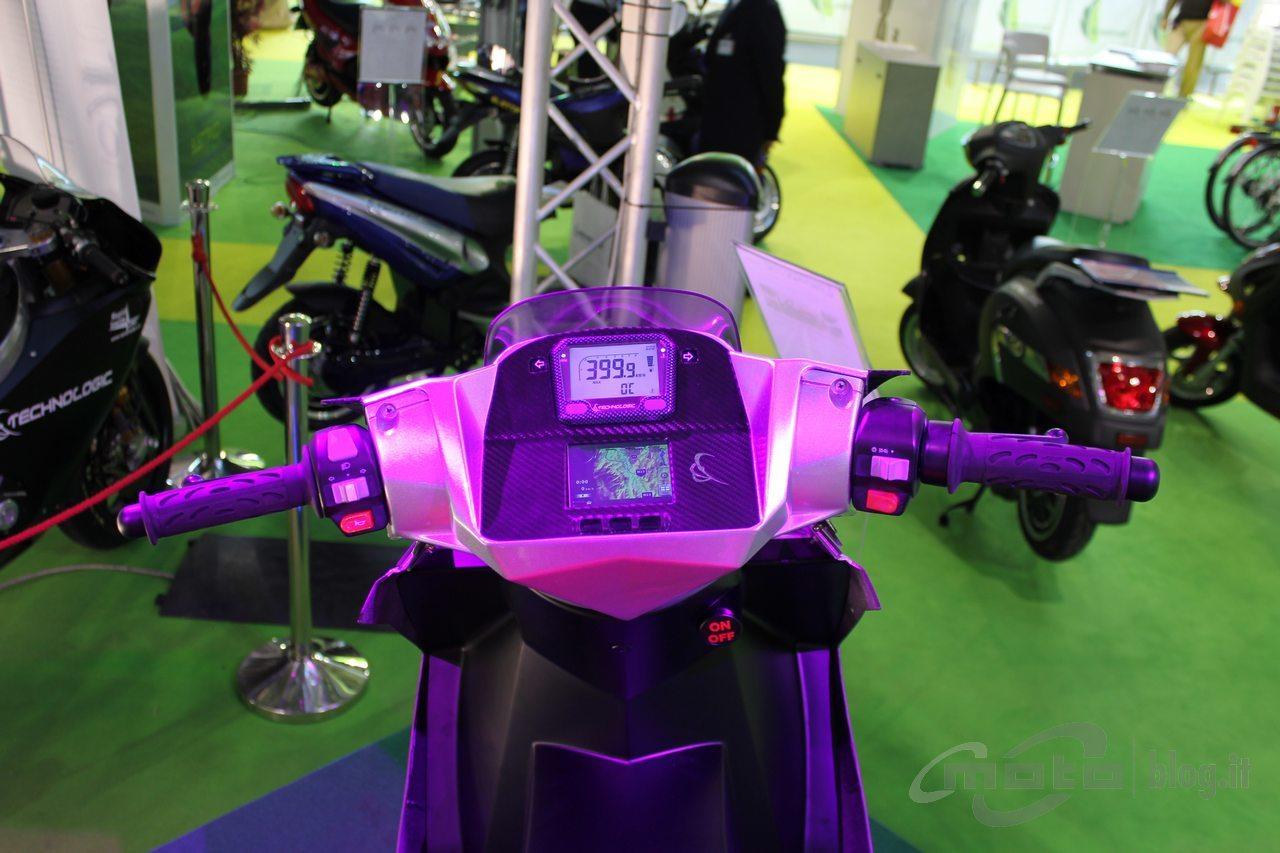 Foto de T-Logic Navigator, Scooter eléctrico de altas prestaciones (5/6)