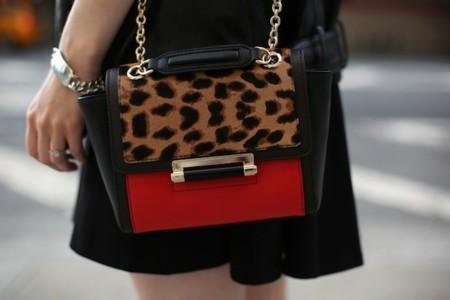 Duelo de bolsos: el nuevo must de DVF causa furor