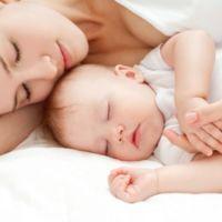 La muerte de dos bebés en la guardería en EE.UU. alimenta el debate sobre la duración de la baja maternal