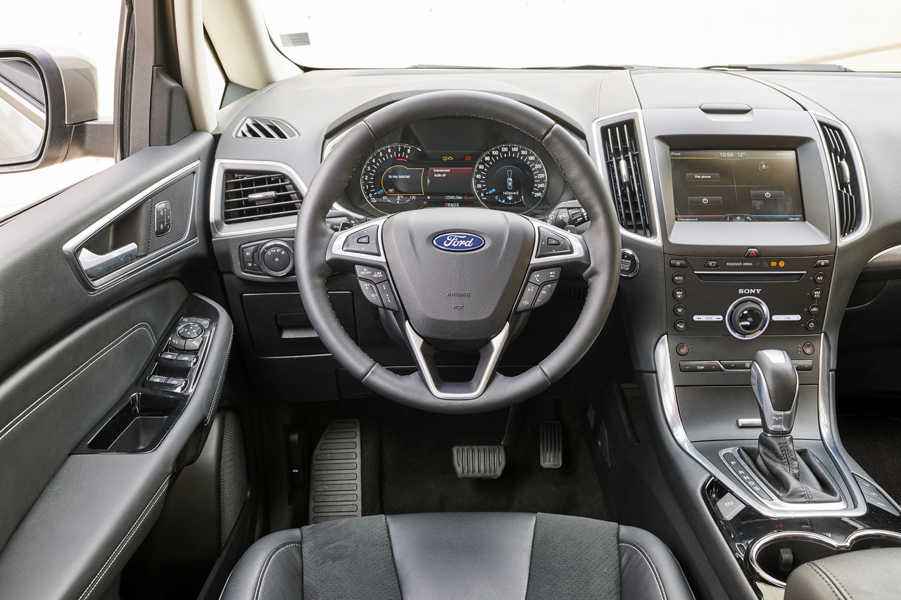 Foto de Ford S-MAX 2015 (38/59)