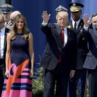 Delpozo viste por primera vez a Melania Trump en su visita a Polonia