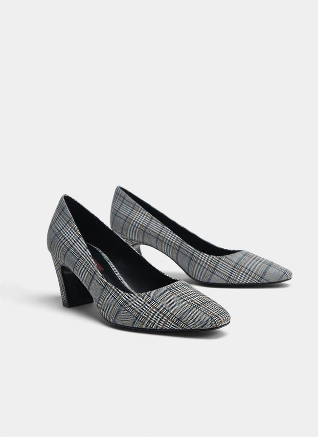 zapatos color oficina