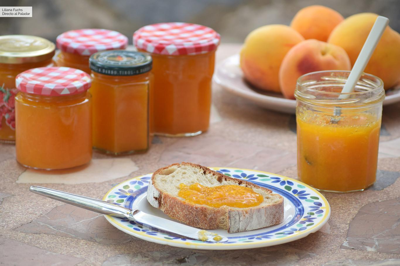 Cómo hacer mermelada casera de melocotón, receta sencilla y básica para alegrar desayunos y meriendas