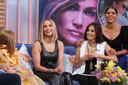 Jennifer López también se apunta a la tendencia de los pantalones de cuero negro, una de las tendencias clara de este otoño