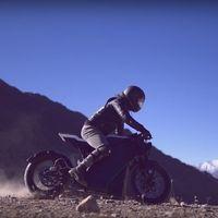 Una café racer nepalí es lo último en motos eléctricas con una tableta de siete pulgadas y 230 km de autonomía