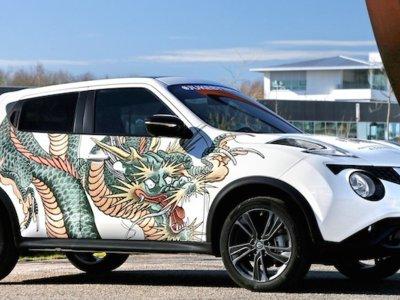 Nissan Juke presume un dragón tatuado en sus costados