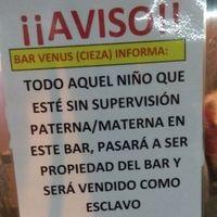 """""""Aquel niño que esté sin supervisión será vendido como esclavo"""": el polémico cartel de un bar de Murcia"""