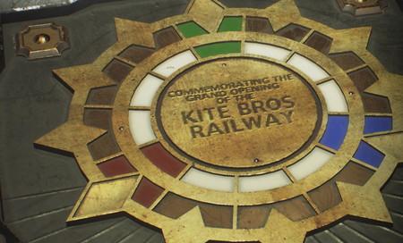 Guía de Resident Evil 3: localización con todas las joyas de la placa conmemorativa del metro Kite Bros Railway y qué contiene en su interior
