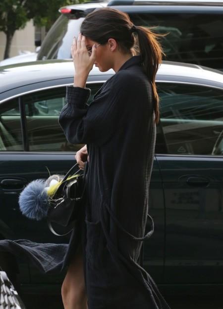 Los últimos looks de Kendall Jenner junto a su inseparable Céline (nano) Boston Bag