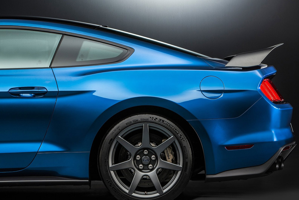 Ford Mustang Shelby Gt350r 15 24