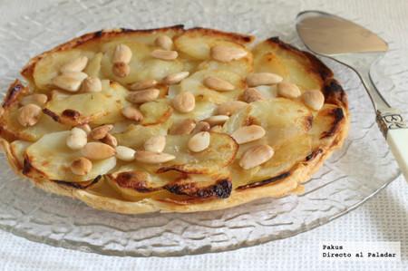 Hojaldre de patata y manzana con almendras. Receta