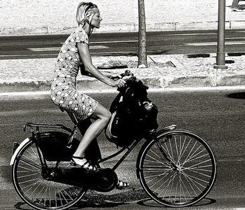 ¿Y si nos pagaran por ir a trabajar en bicicleta?