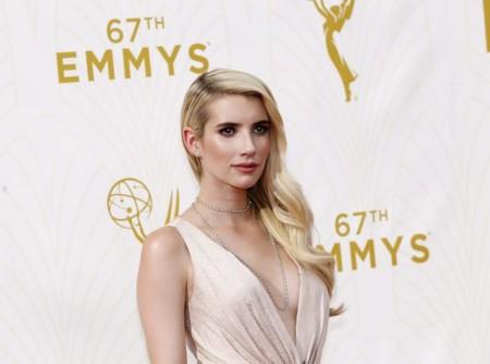 La sencillez y la delicadeza aparecen en los premios Emmys 2015 de la mano de Emma Roberts