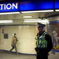 ¿Cómo debe luchar Reino Unido contra los crímenes por arma blanca? Con menos encarcelamientos y cacheos