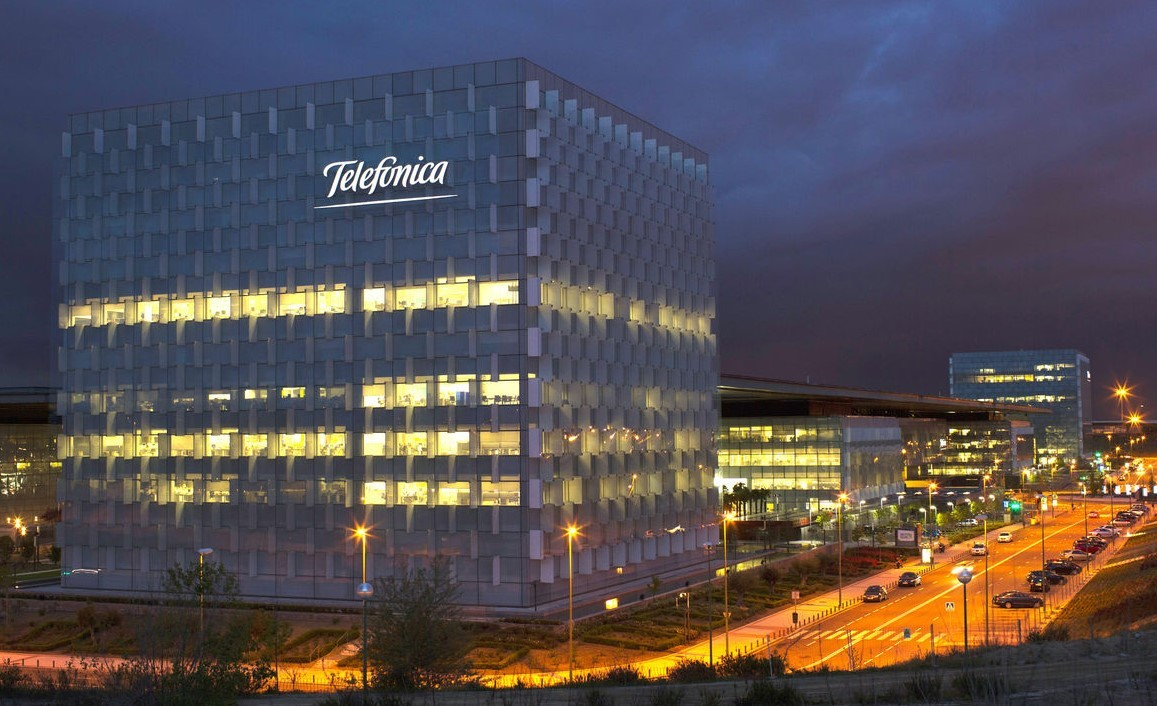 spains telefonica Madrid (reuters) - telefonica (tefmc) and netflix (nflxo) are close to reaching an accord which will permit the spanish telecommunications company to include the us group's content as part of its television.