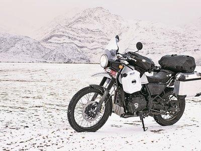 La Royal Enfield Himalayan ha hecho público su precio, y es una invitación al trail más puro