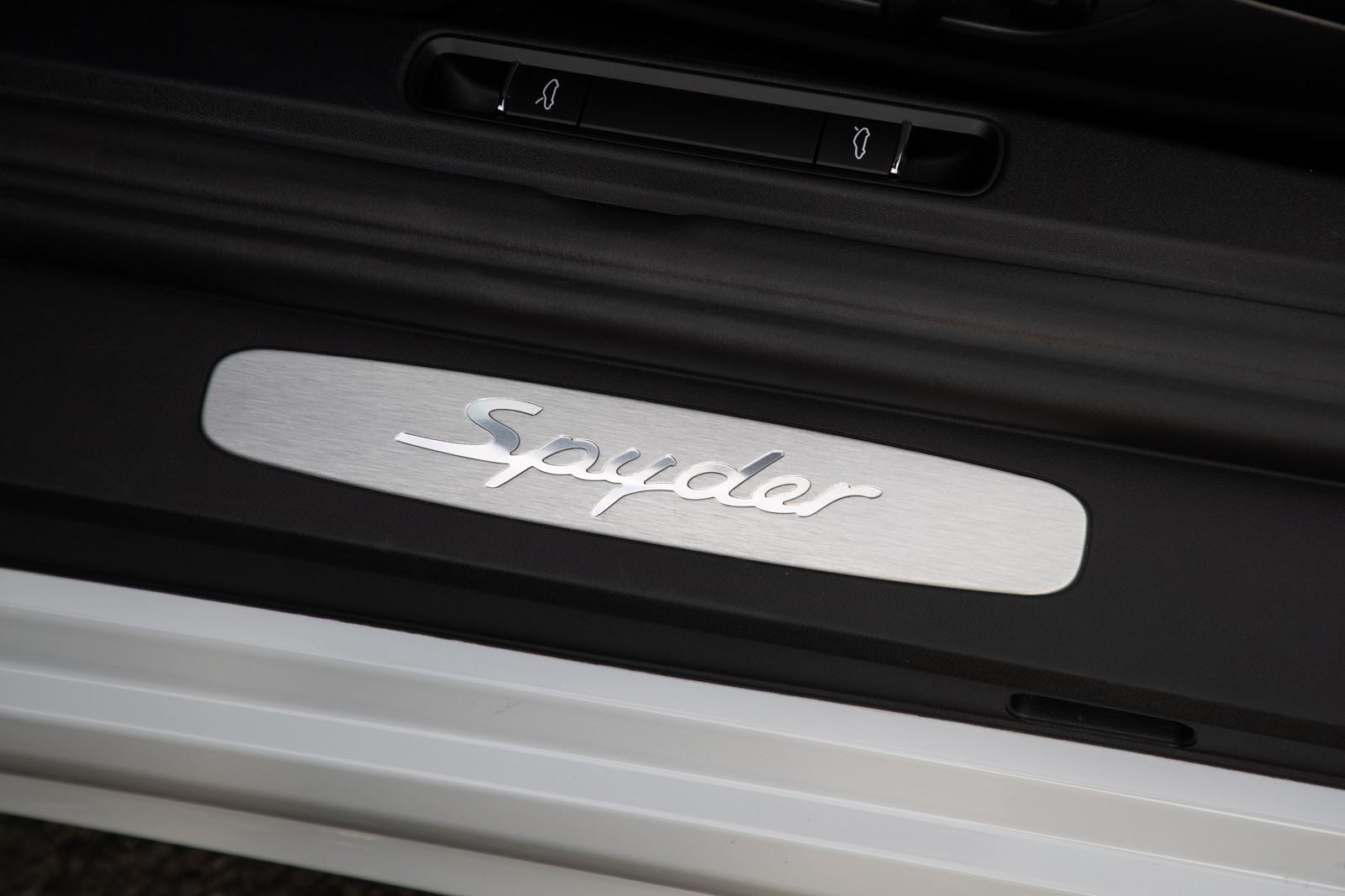 Foto de Porsche 718 Spyder (prueba contacto) (94/296)
