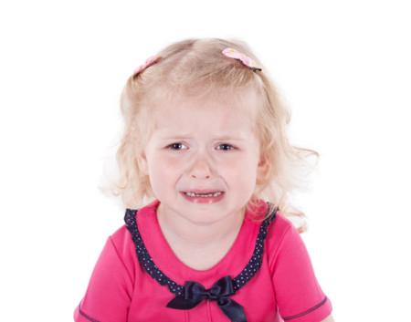 """¿Deben los desconocidos """"educar"""" a nuestros hijos? La dueña de una cafetería grita a una niña de 2 años para que deje de llorar"""