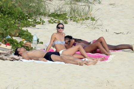 Olivia Palermo famosas playa bikini