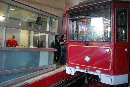 The Peak Tram, un tranvía con 123 años de historia en Hong Kong