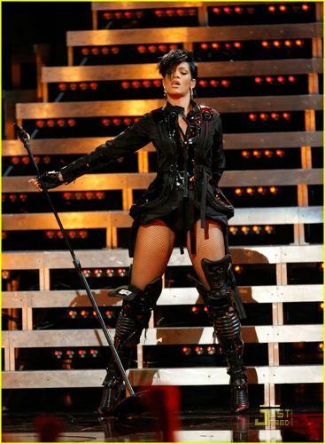 Rihanna es la décima candidata al Hortera de Bolera de enero en la Super Bowl