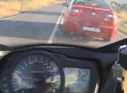 ¡¡Antes de adelantar, mira por el retrovisor!!
