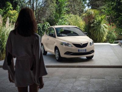 Lancia Ypsilon: renovarse y morir