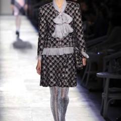 Foto 9 de 61 de la galería chanel-alta-costura-otono-invierno-2012-2013-rosa-gris-brillos-y-nuevo-vintage en Trendencias