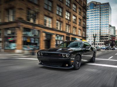 El Dodge Challenger adelanta en ventas al nuevo Chevrolet Camaro en los últimos tres meses