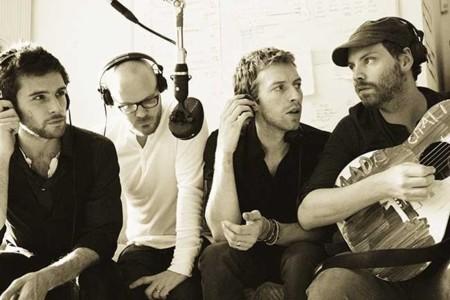Sorpresa, sorpresa, con la medionoche de Coldplay