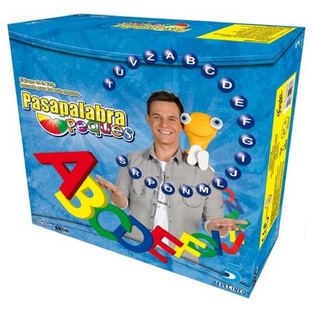 Pasapalabra peques es un juego de mesa basado en el famoso programa de la televisión