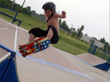 'Skate board' y patines son ideales para divertirse.. pero siempre con seguridad
