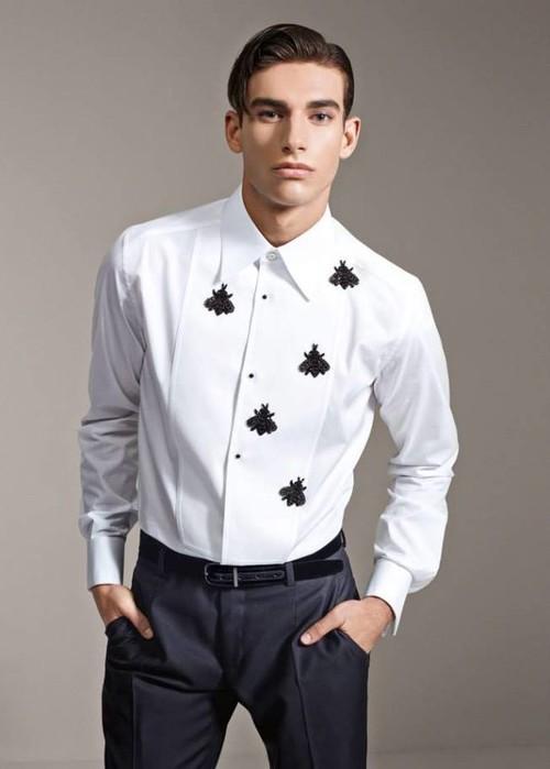 Entre abejas y coronas anda lo nuevo de Dolce & Gabbana... ¿te atreves?