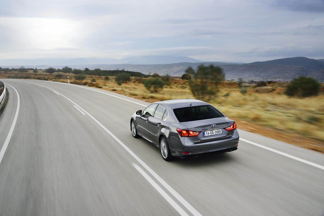 Foto de Lexus GS 300h (11/153)