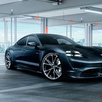 TechArt se atreve con el Porsche Taycan: le calza unas llantas de 22 pulgadas y ya le está preparando un traje más deportivo