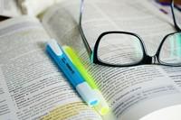 ¿Es necesario estudiar una carrera para tener éxito como emprendedor?