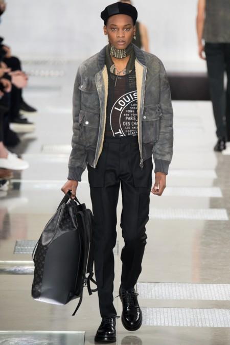 La sofisticación del chic francés llega a su punto máximo en el desfile de Louis Vuitton